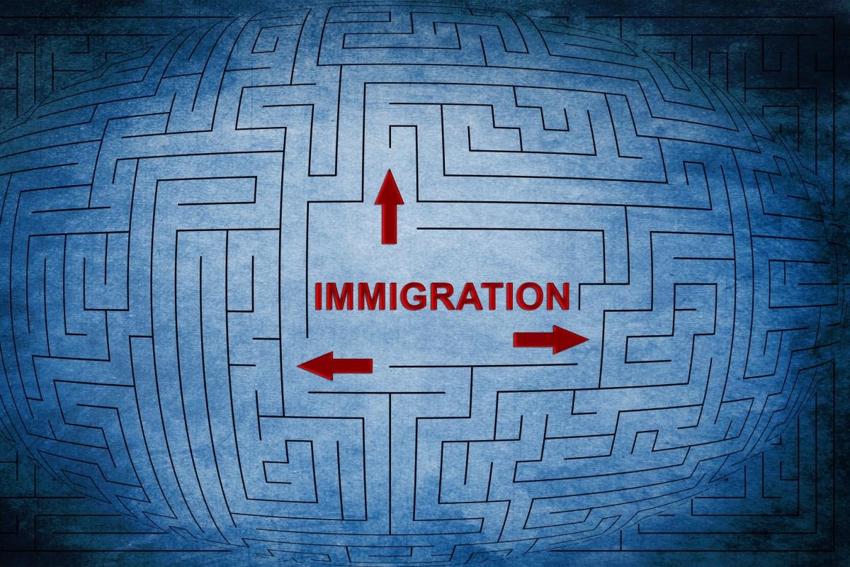 Puis-je obtenir un visa de visiteur pendant le traitement de ma demande deparrainage?